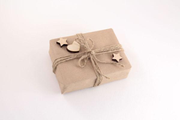 Упаковка из крафт бумаги для фанерных игрушек