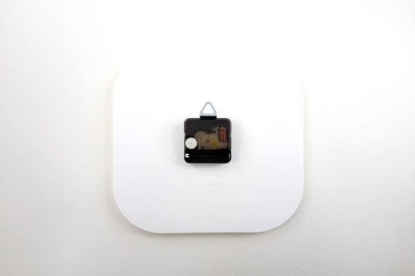 часы рекламные из пластика с печатью лого
