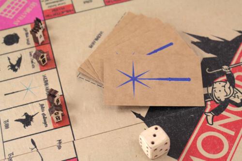 настольная игра монополия вырезаная лазером